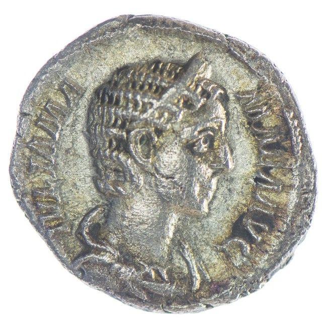 Iulia Mamaea Denar Römische Kaiserzeit, Av: IVLIA MAMAEA AVG drapierte Büste mit Diadem rechts, Rv: VESTA Vesta mit Patera und Zepter