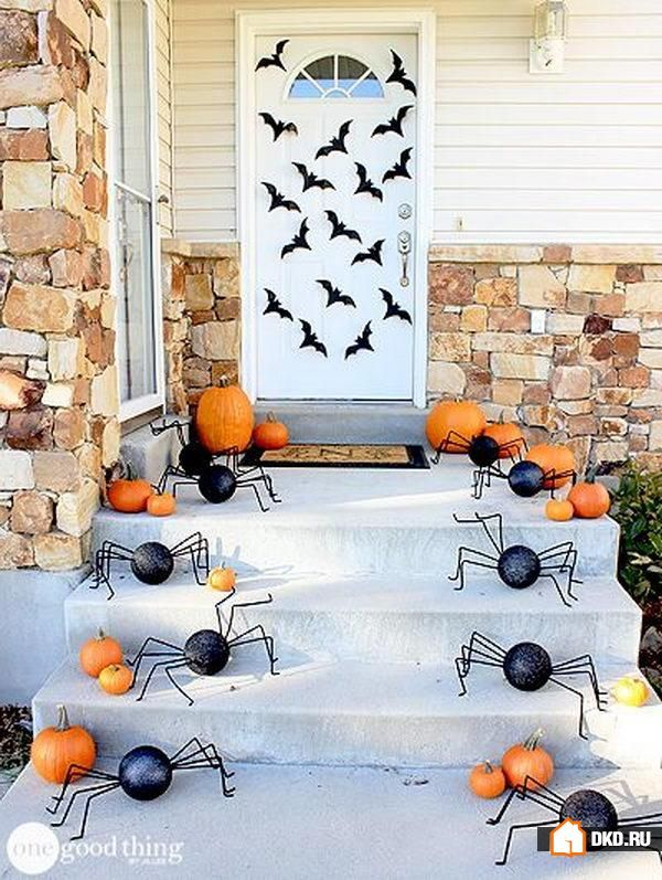 one good thing by jillee 20 fabulously spooky halloween front porches via a blissful nest