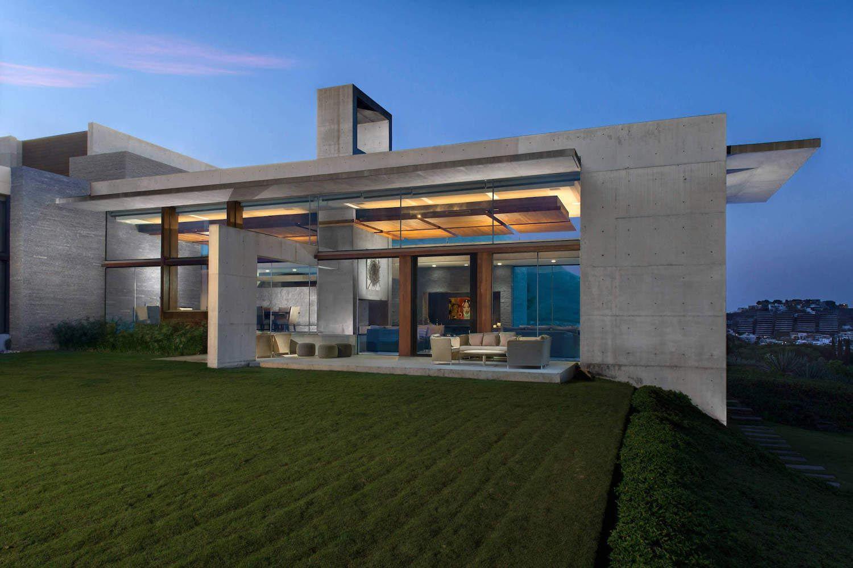 Monterrey ultra modern mansion by Barber Choate Hertlein Architects ...