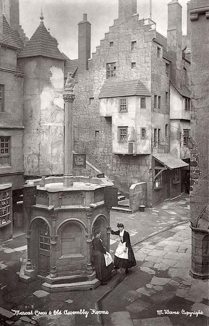 The mercat cross old Edinburgh