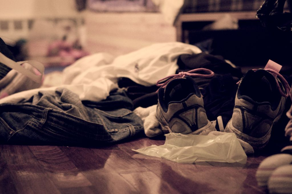 remove clutter for insomnia