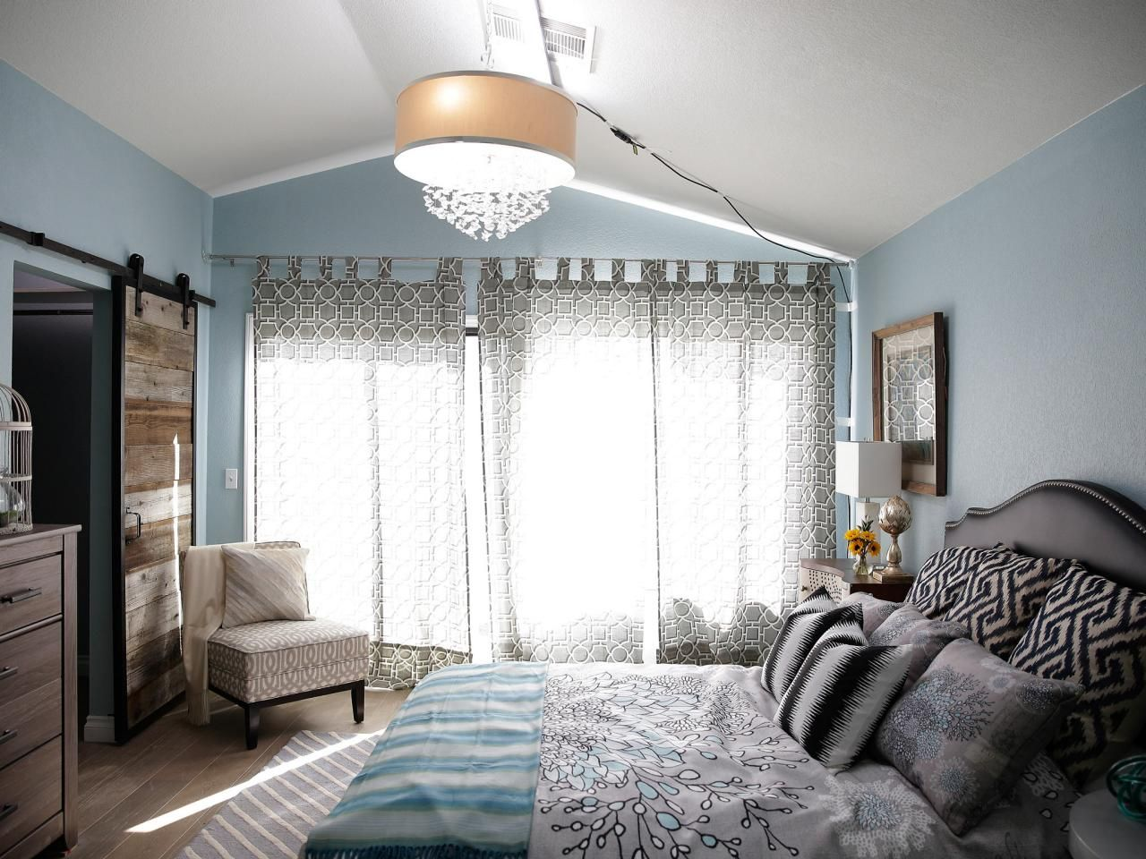 Brother Vs. Brother: Bedroom and Bathroom Makeovers From Drew and ...