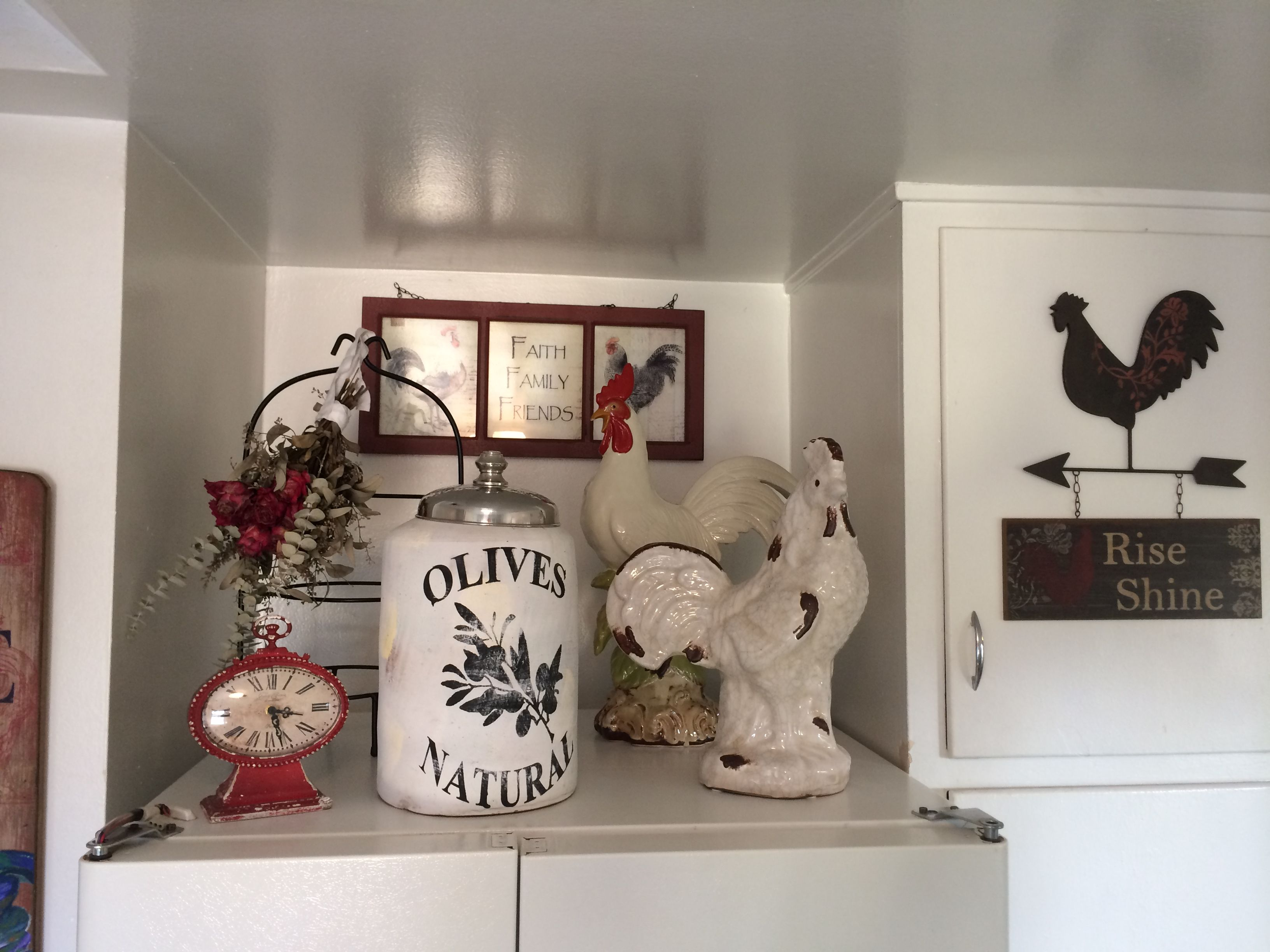 Went With A Rooster Theme For Kitchen Since I Already Owned Some Rooster Decor Mi Casa Decor