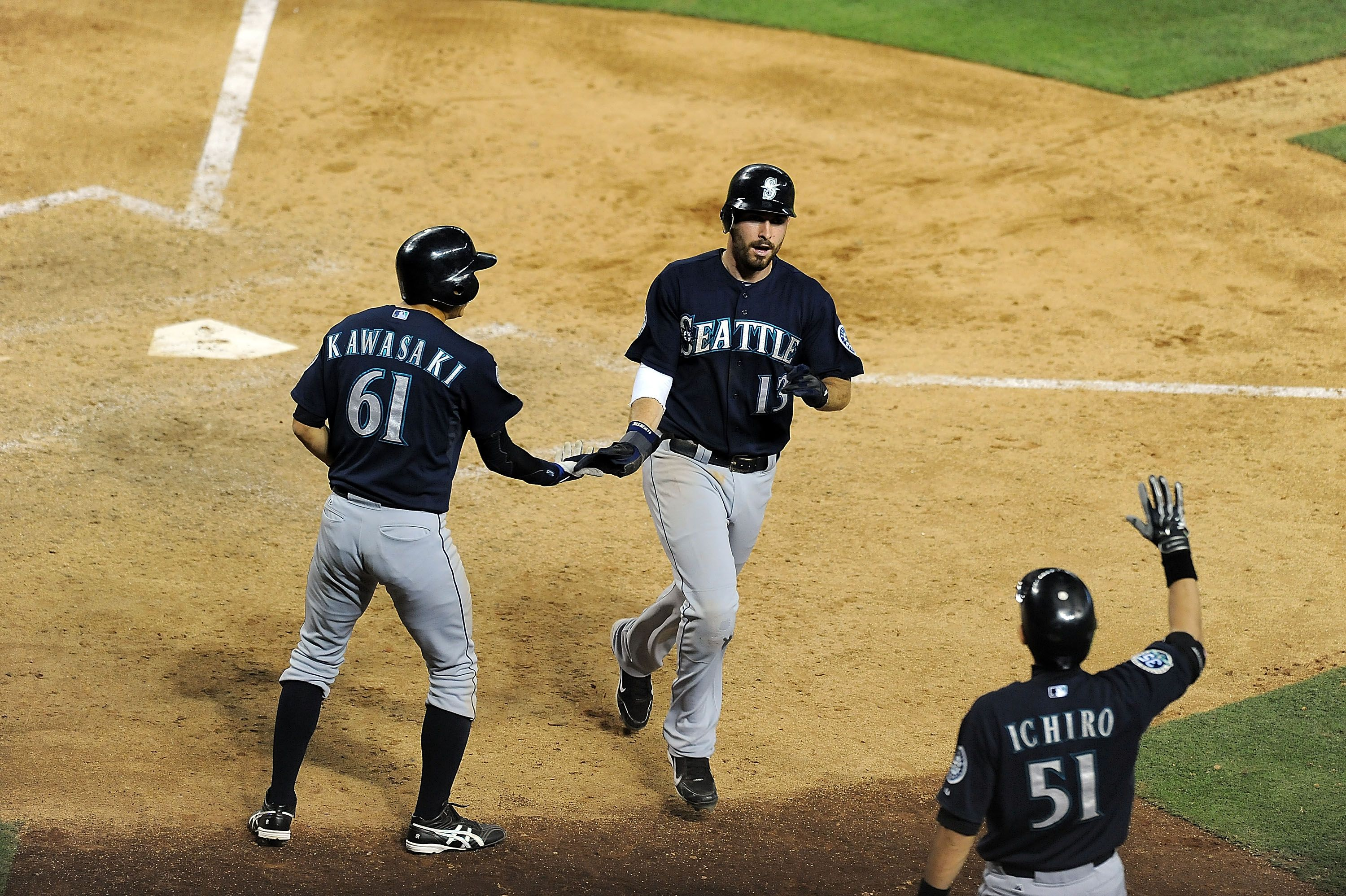 Mariners Push 3 Across In The 10th To Win A 12 9 Slugfest In Arizona 6 19 12 Mariners Seattle Mariners Sports