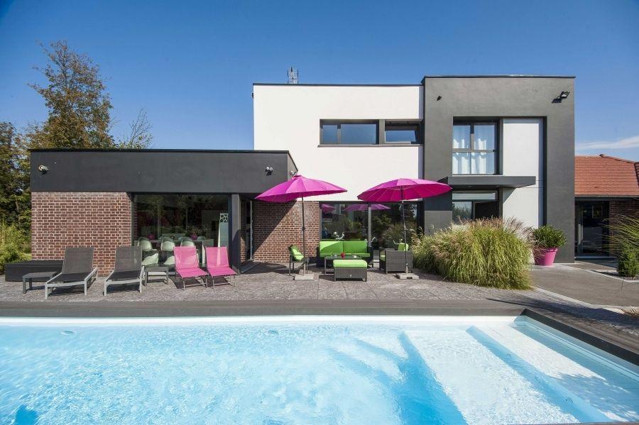 maison cubique avec toiture versant - Maison Moderne Avectoiture