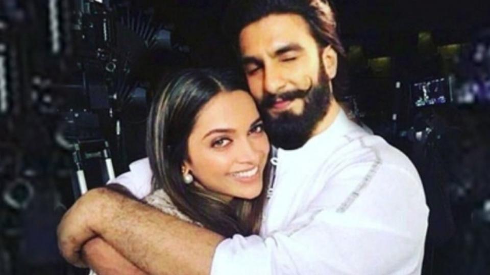 This Deepika Padukone Ranveer Singh Twitter Exchange Is Dripping Love Read Details Deepika Ranveer Beautiful Bollywood Actress Deepika Padukone