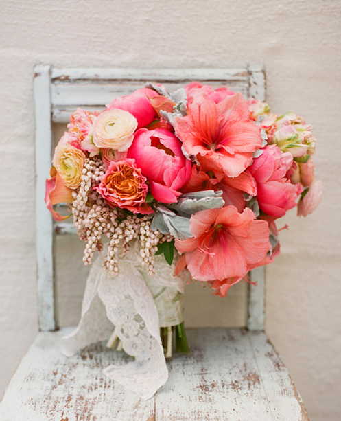 Bridesmaid bouquet colors and PEONIES!