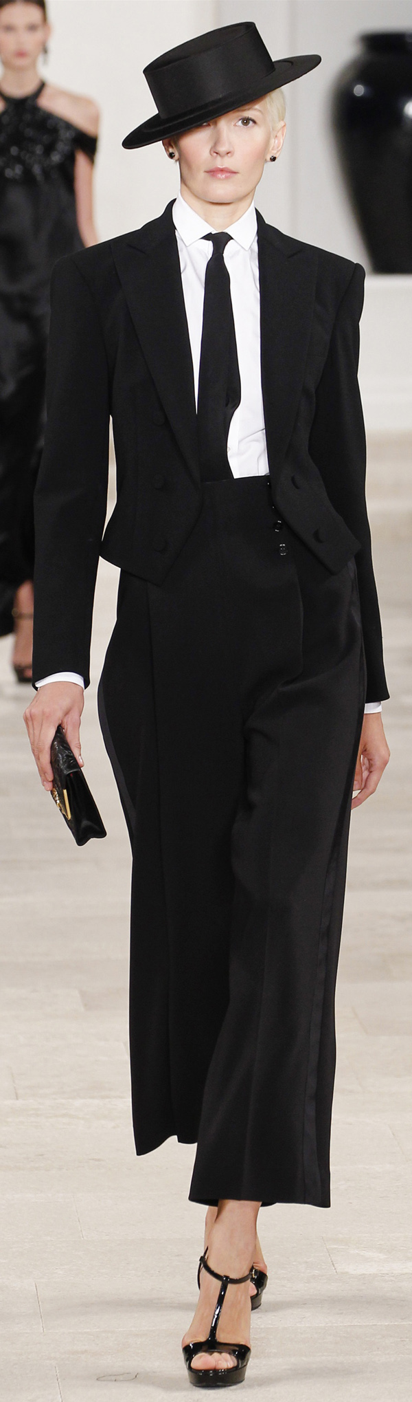 ✜ Ralph Lauren SS 2013 ✜ http://www.vogue.com/collections/spring-2013-rtw/ralph-lauren/review/# MORE on Runway & on Dresses