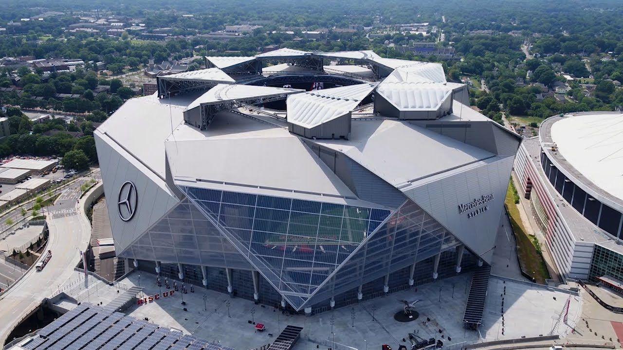 The Atlanta Falcons Revolutionary New Stadium Is Unlike Any Other You V Atlanta Falcons Stadium Steel Roofing White House Visit