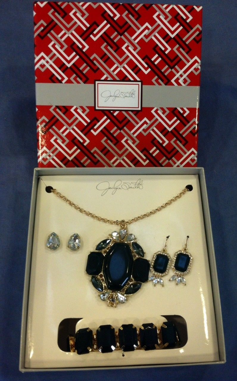 Jaclyn smith piece jewelry set in black gold and white necklace