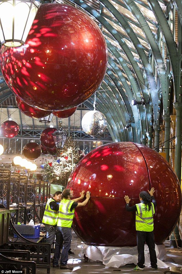 Behind the scenes as Covent Garden is decked out in GIANT