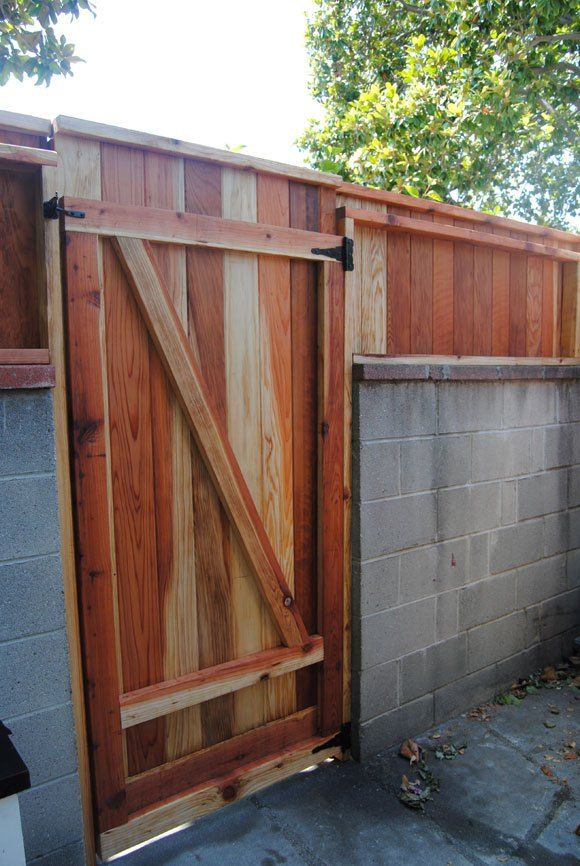 Cinder Block Wall Could Stucco With 3 Wooden Top And Gate