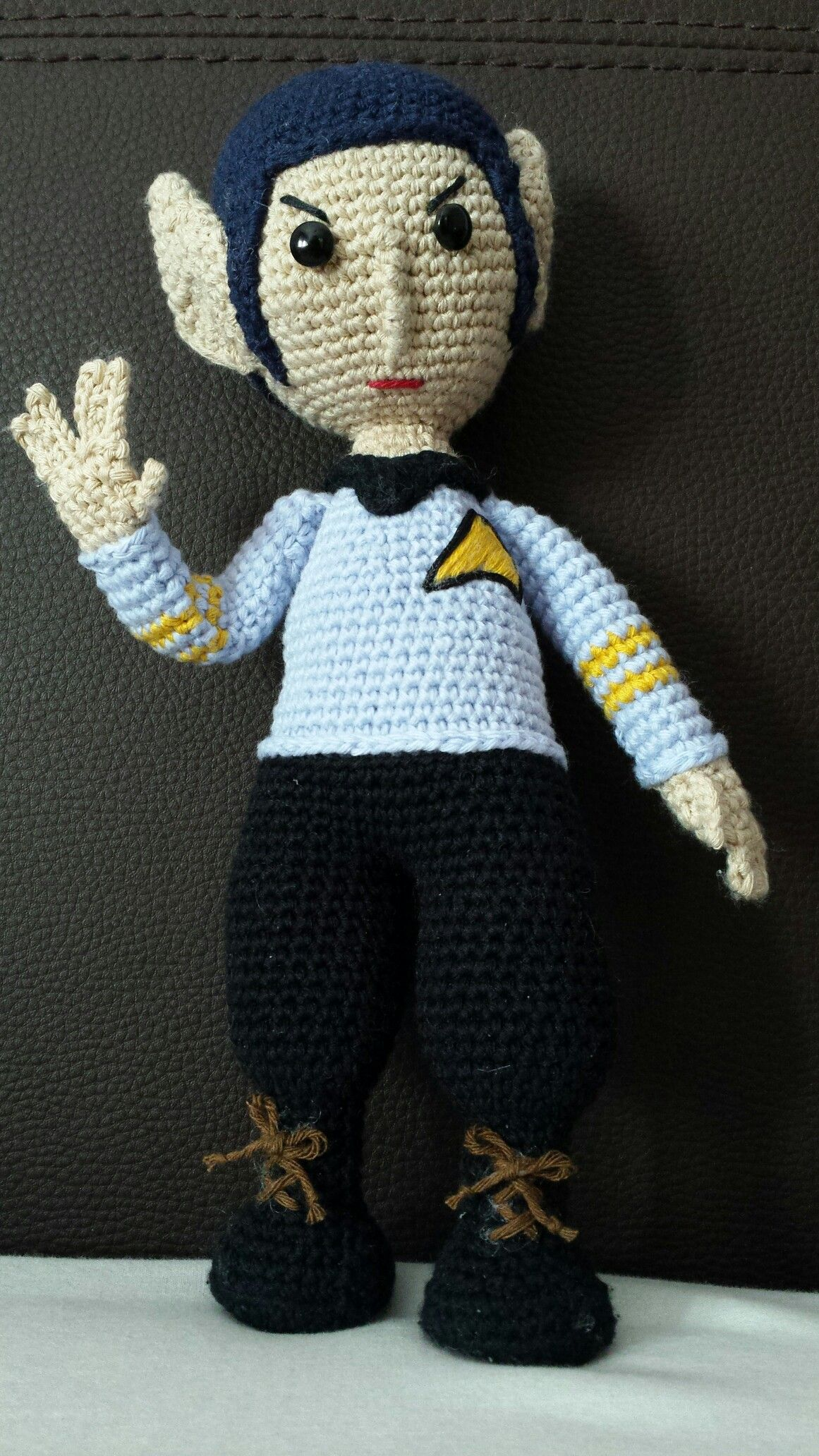 Mr. Spock amigurumi. De Ovillos de Lena ( inspirado en el patrón de ...