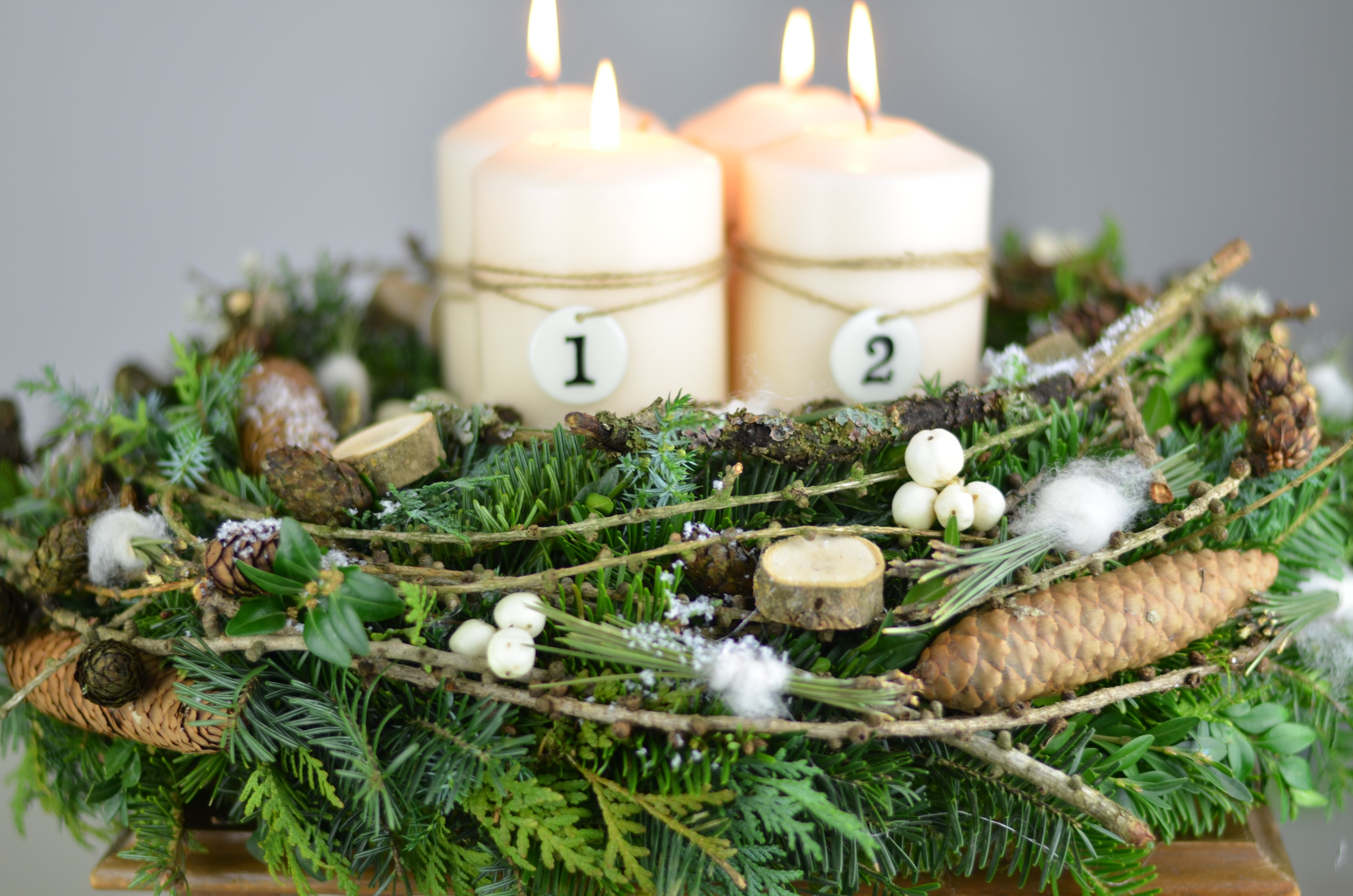 diy adventskranz im naturlook mit einem hauch von wei. Black Bedroom Furniture Sets. Home Design Ideas