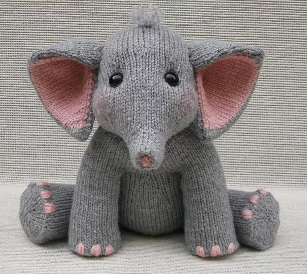 Baby Elephant Knitting pattern by Rainebo in 2020 | Animal ...