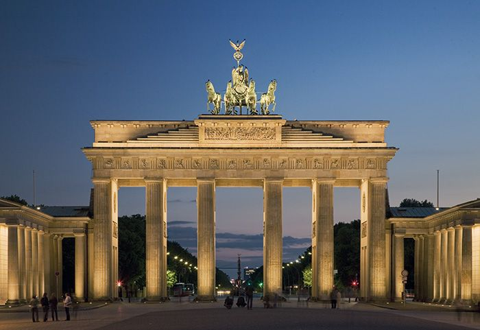 The History Of Brandenburg Gate In Berlin Brandenburg Gate Best Countries To Visit Countries To Visit