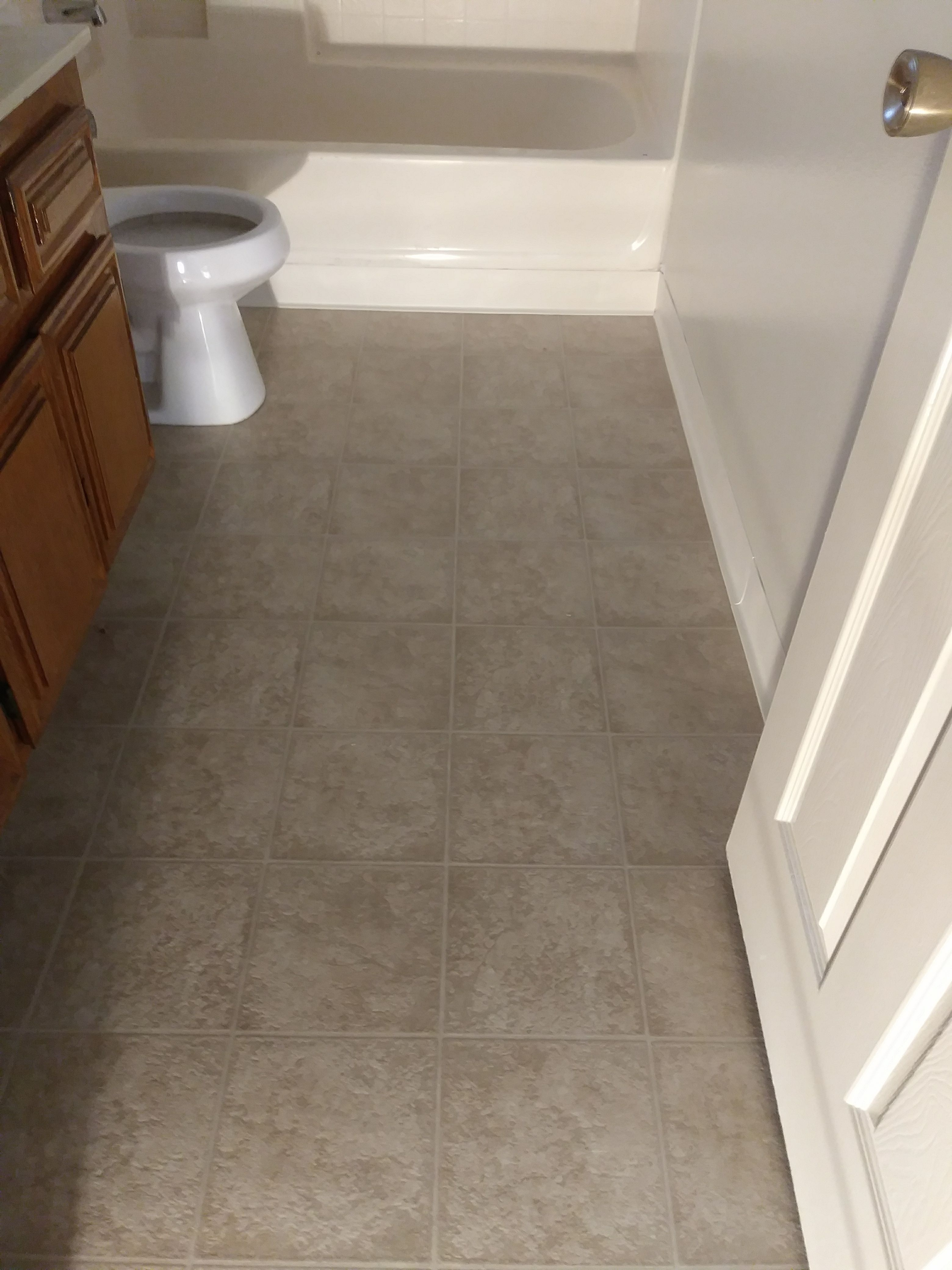In This Bathroom We Installed Sheet Vinyl Flooring Call Us For A Free Quote Flooring Carpet Installation Bathroom Vinyl Flooring Vinyl Flooring Bathroom