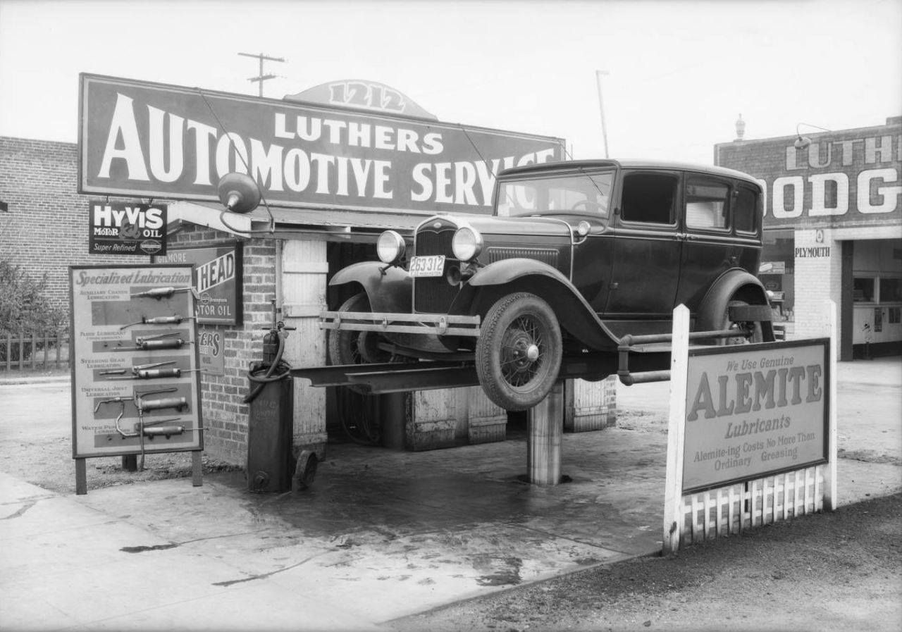 Vintage shots from days gone by! Used car lots, Old
