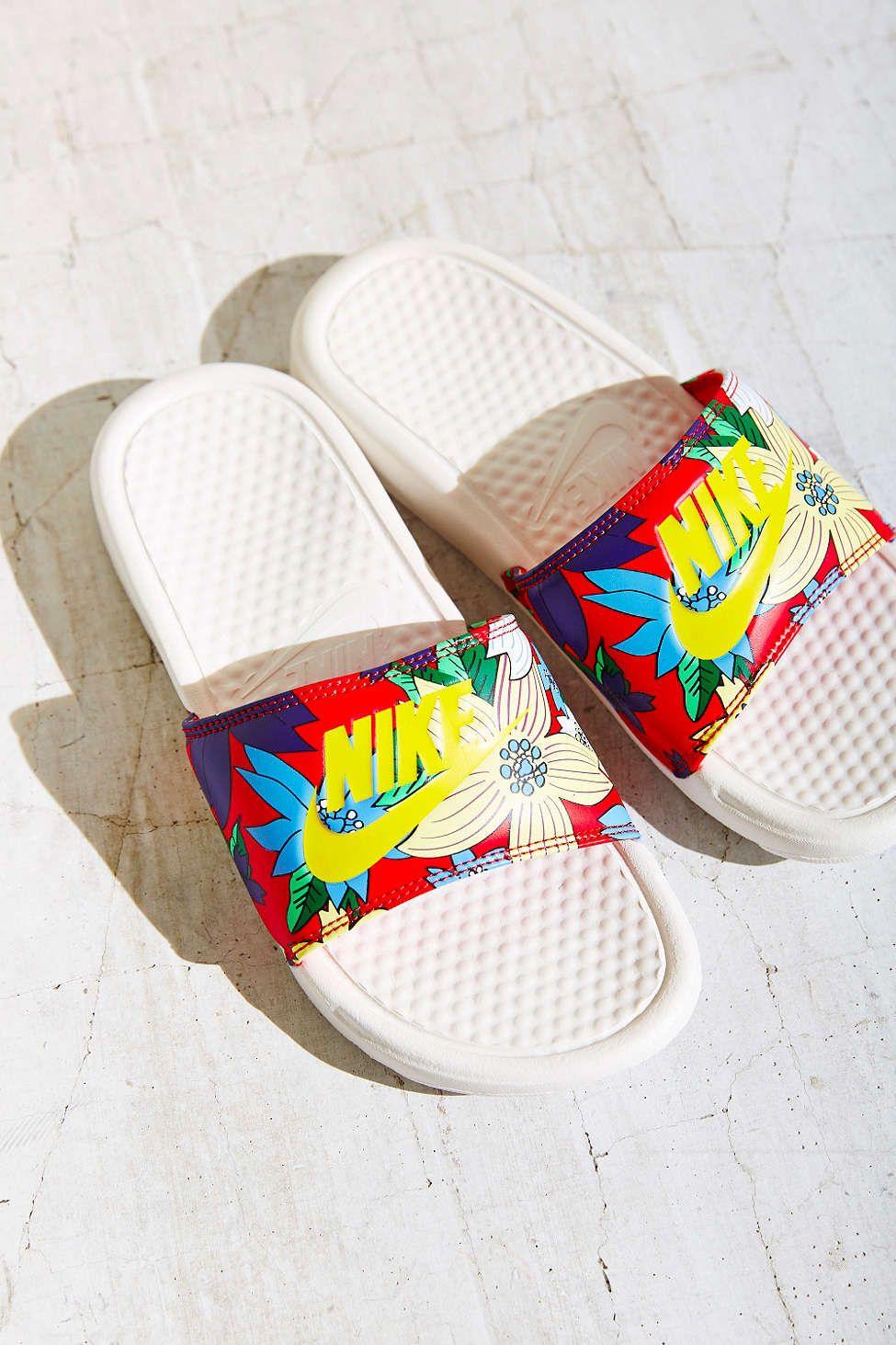 Nike Benassi Slide Sandal  470377655c2
