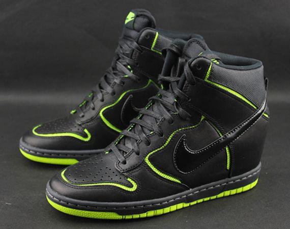 best service 4d1fb a6931 ... get nike wmns dunk sky hi black volt sneakers ceb13 db004