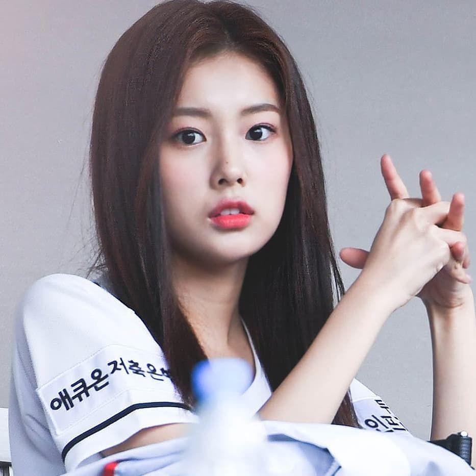 That Cutie Mole On Her Nose Izone Hyewonizone Cutie Beauty Nose