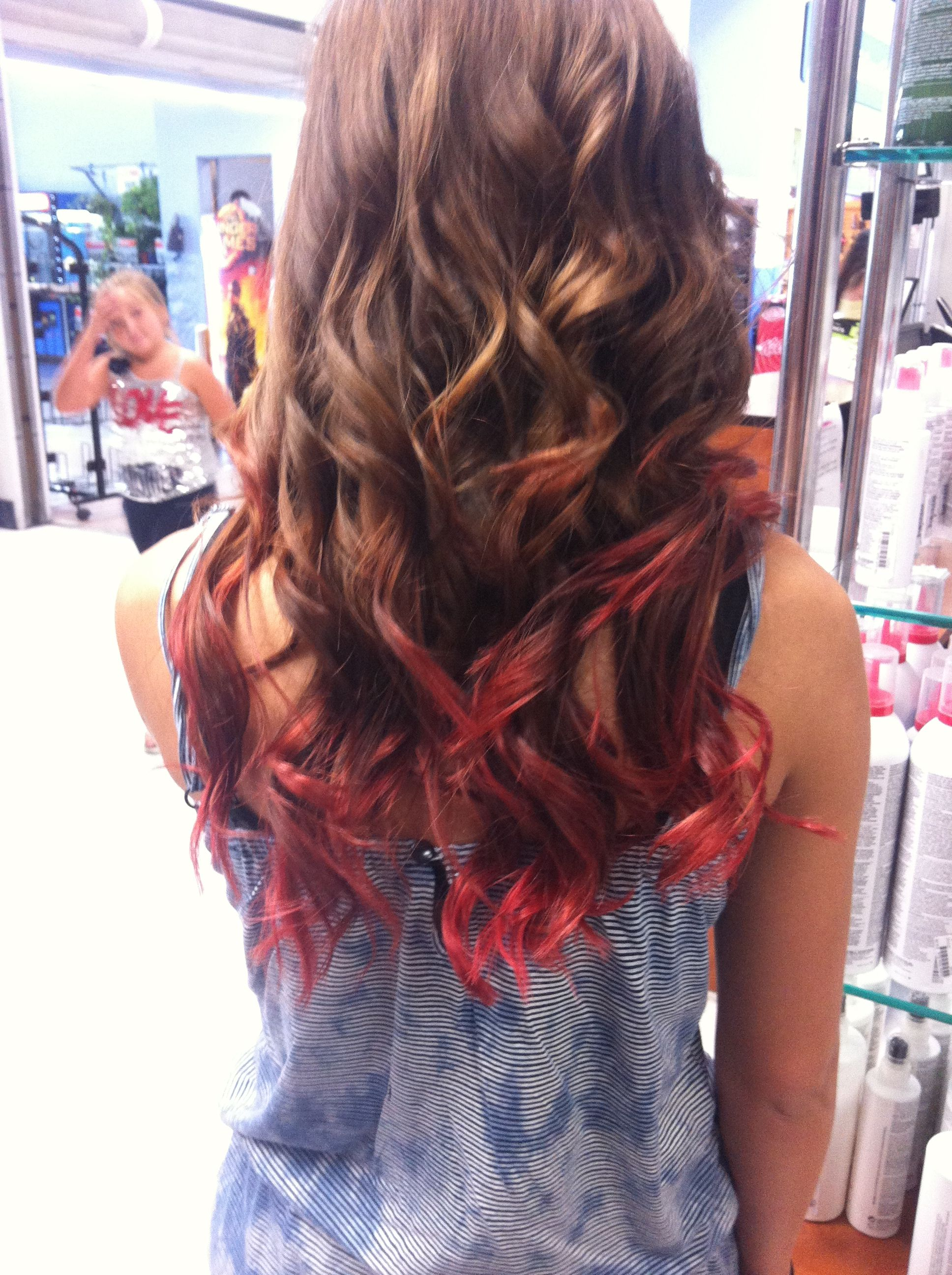 3 Shades of red ombré