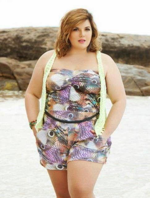 fa1f39e943d4f Brazilian Plus size model Andrea Boschim