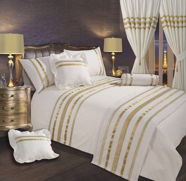 Fitted Bedspreads King Size With Lavish Fitted White Bedspread With Gold Linear Design White Bedspreads Gold Bed Gold Bedroom
