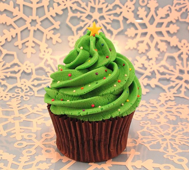 Christmas Tree Cupcake by Made With Pink, via Flickr
