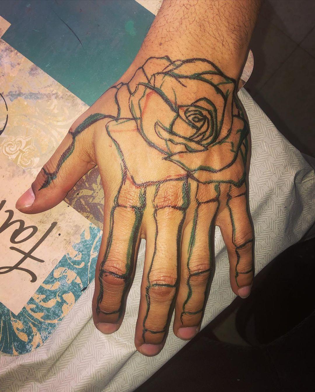 #Tattoo #tattoos #tatt #tatts #tattideas #tattooideas #hand #handtatt #handtatts #handtattoo #handtattoos #tattoosleeve #tattoosleeves #newtattoo #freehand #artist #tattooartist