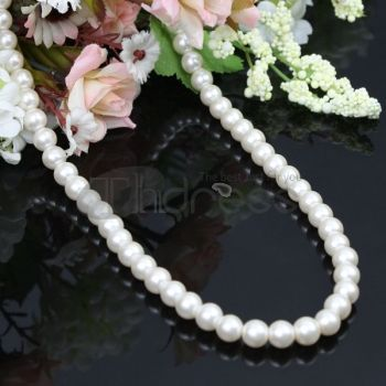 Beige fashion pearl necklace