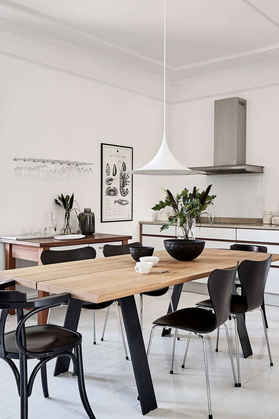 Neutral and monochrome via coco lapine design