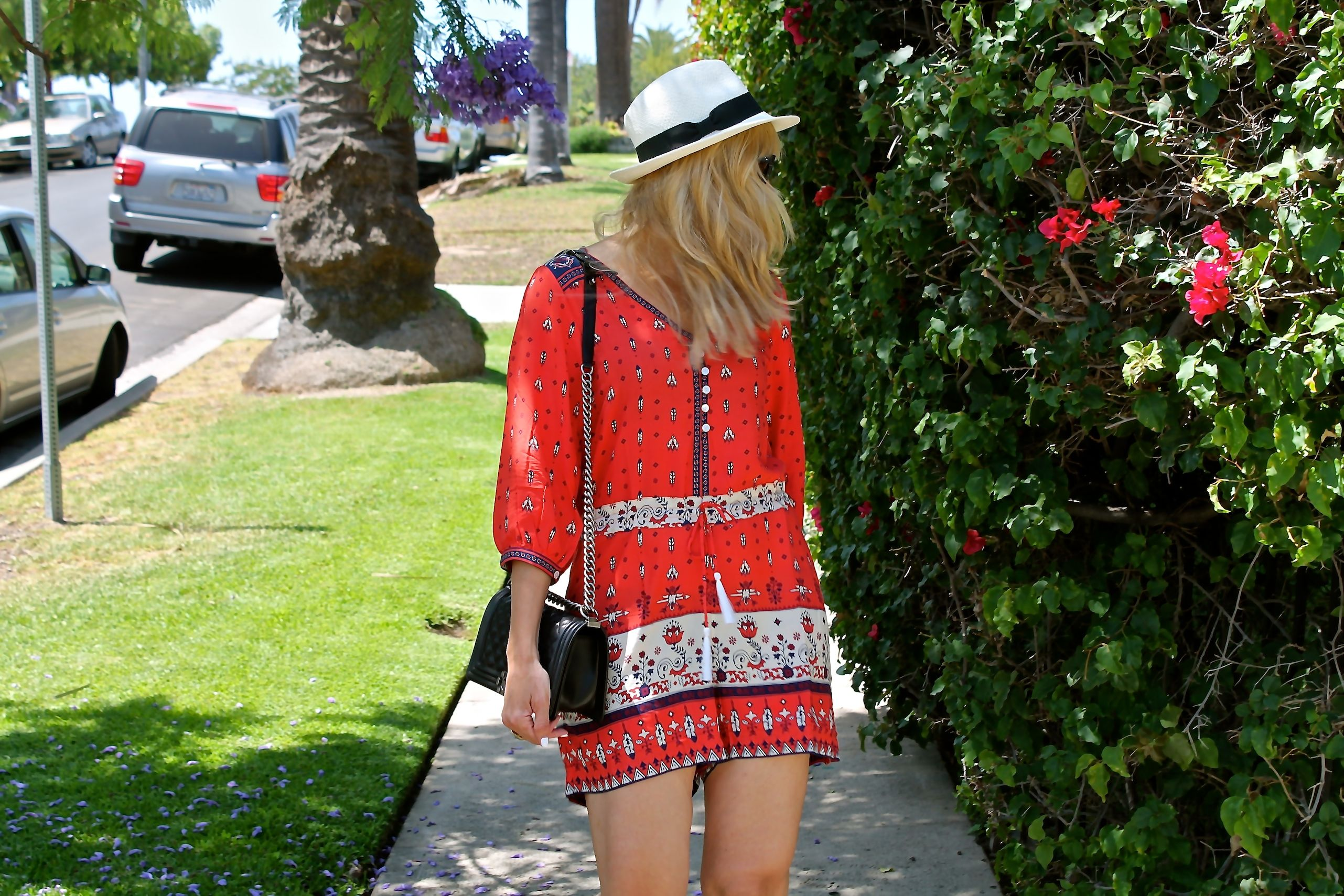 #jenknowsbest #jenandrews #romper #spelldesigns @spell_byronbay #bag #chanel #streetstyle #style #blog #blogger #fashionblogger www.jenknowsbest.com