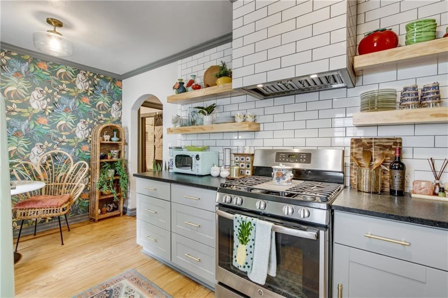 Look Inside This Enchanted Cottage For Sale In Oklahoma City Brims With Trendy Touches In 2020 Gorgeous Fireplaces Spacious Living Room Home