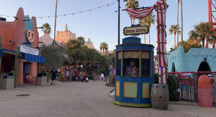 902edbbe606f151e729a576dfc2ee70a - Busch Gardens Howl O Scream Reviews