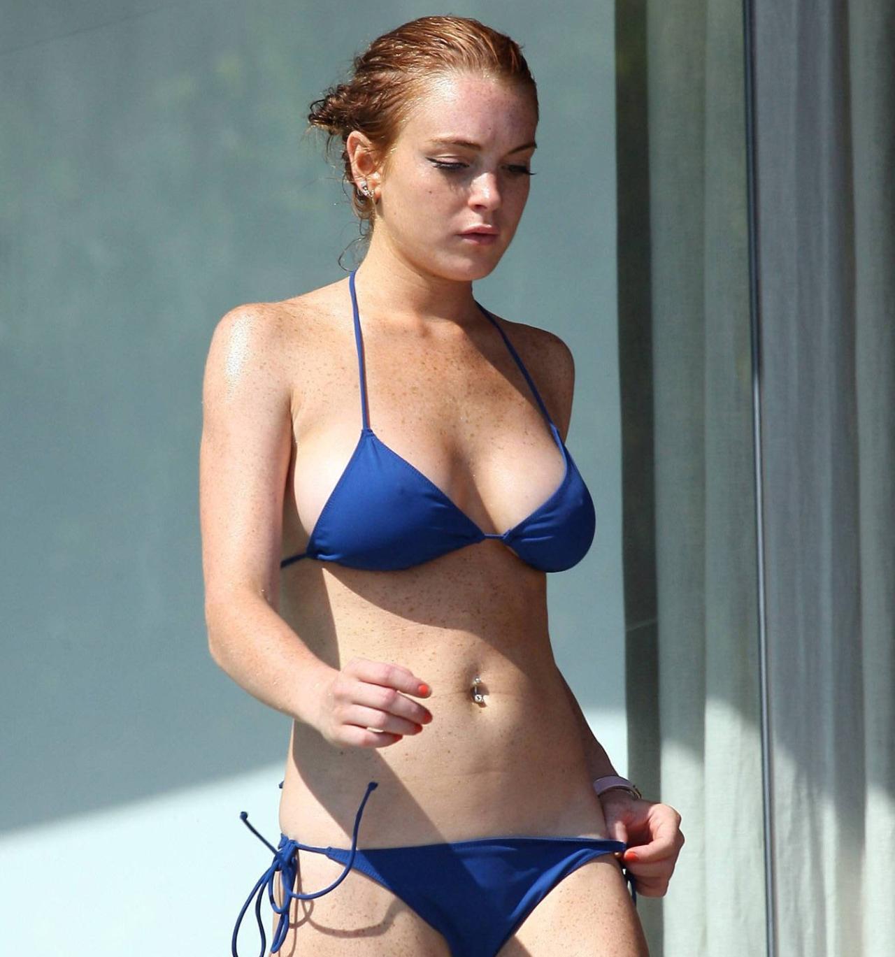 Lindsay Lohan Bikini Pics Ass