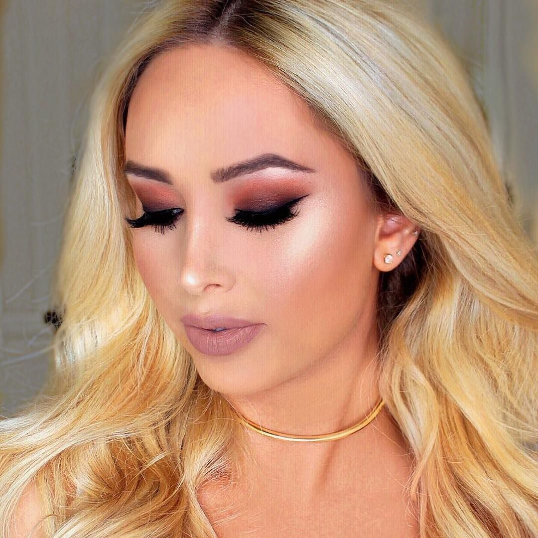 Matte brown shadows and glowy skin  @lillylashes in Lush  #lillylashes by vanitymakeup