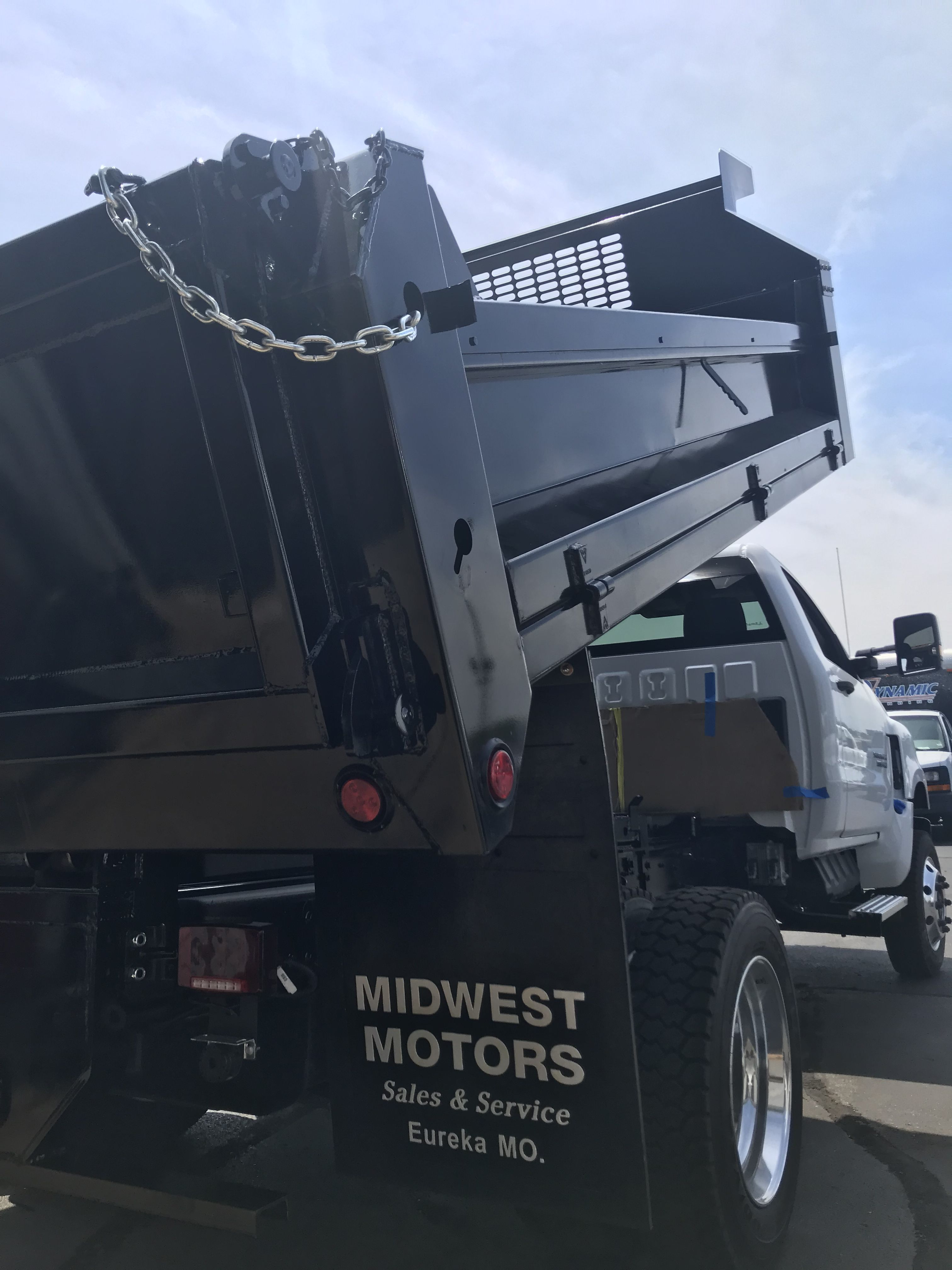 Dump bed installed on Chevrolet 5500 at midwest motors in