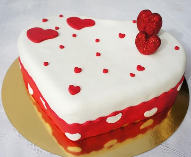 20 Romantic Valentines Day Ideas For Cake Decoration Special