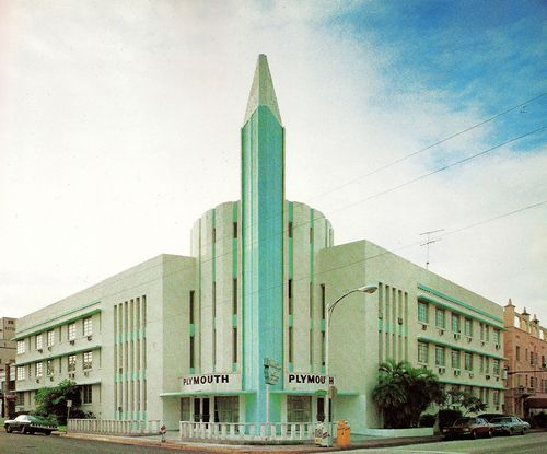 Architect Kobi Makes South Beach S Plymouth Hotel A Again The Iconic Form Has An Obelisk At Corner Strong Vertical Tendency