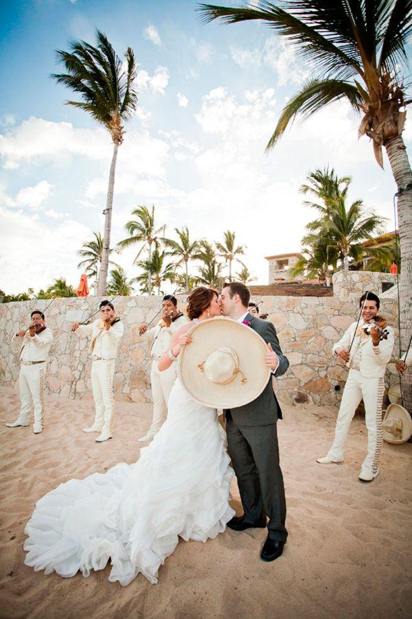 15 Canciones Romanticas De Mariachi Para La Boda Destination Weddings