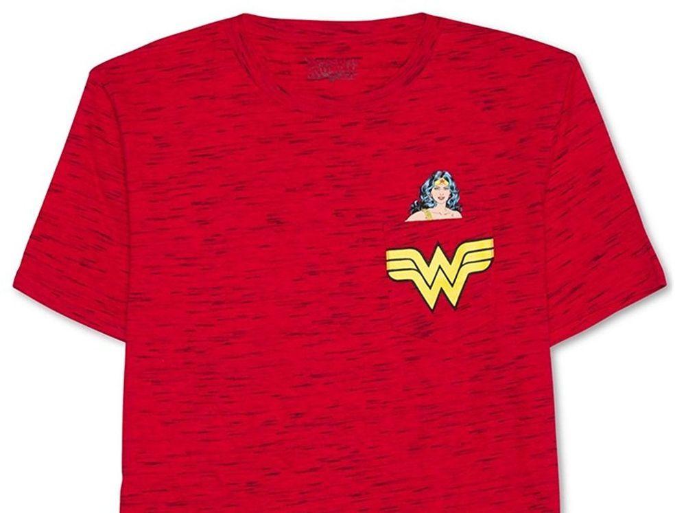 1d019c8c DC Comics Wonder Woman Pocket Graphic Print Mens Size Medium Red Justice  League #WonderWoman #DCComics #GraphicTee