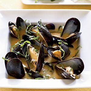 Coconut and Basil Steamed Mussels  Romantic Dinner RecipesRomantic  Coconut and Basil Steamed Mussels   Recipe   Steamed mussels  . Dinner Ideas For 20 Guests. Home Design Ideas