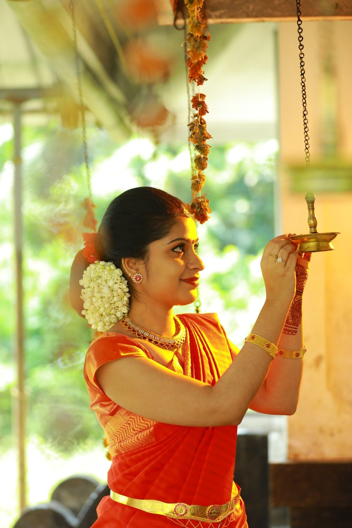 Pin By A On Rajaji Saree Wedding Bridal Jewellery Indian South Indian Wedding Hairstyles