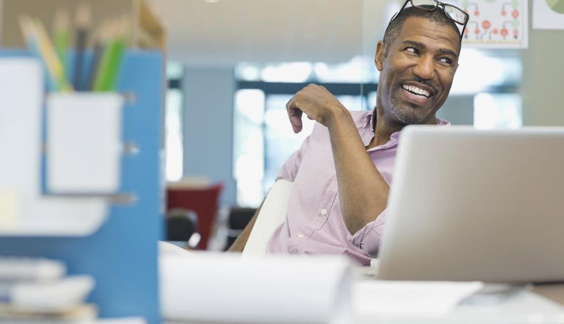 Experts share 7 midlife job search mistakes job seeker