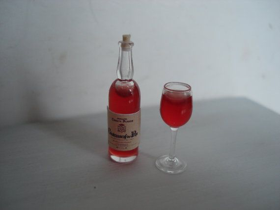 Miniature wine glass bottle