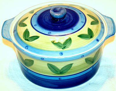 EMERALD COLLECTION HAND PAINTED PORCELAIN COVERED BOWL IN BLUE WITH GREEN LEAVES