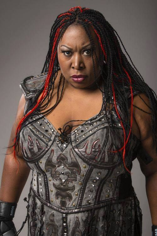 Awesome Kong With Kia Stevens Women S Wrestling Kia Stevens Wonder Woman