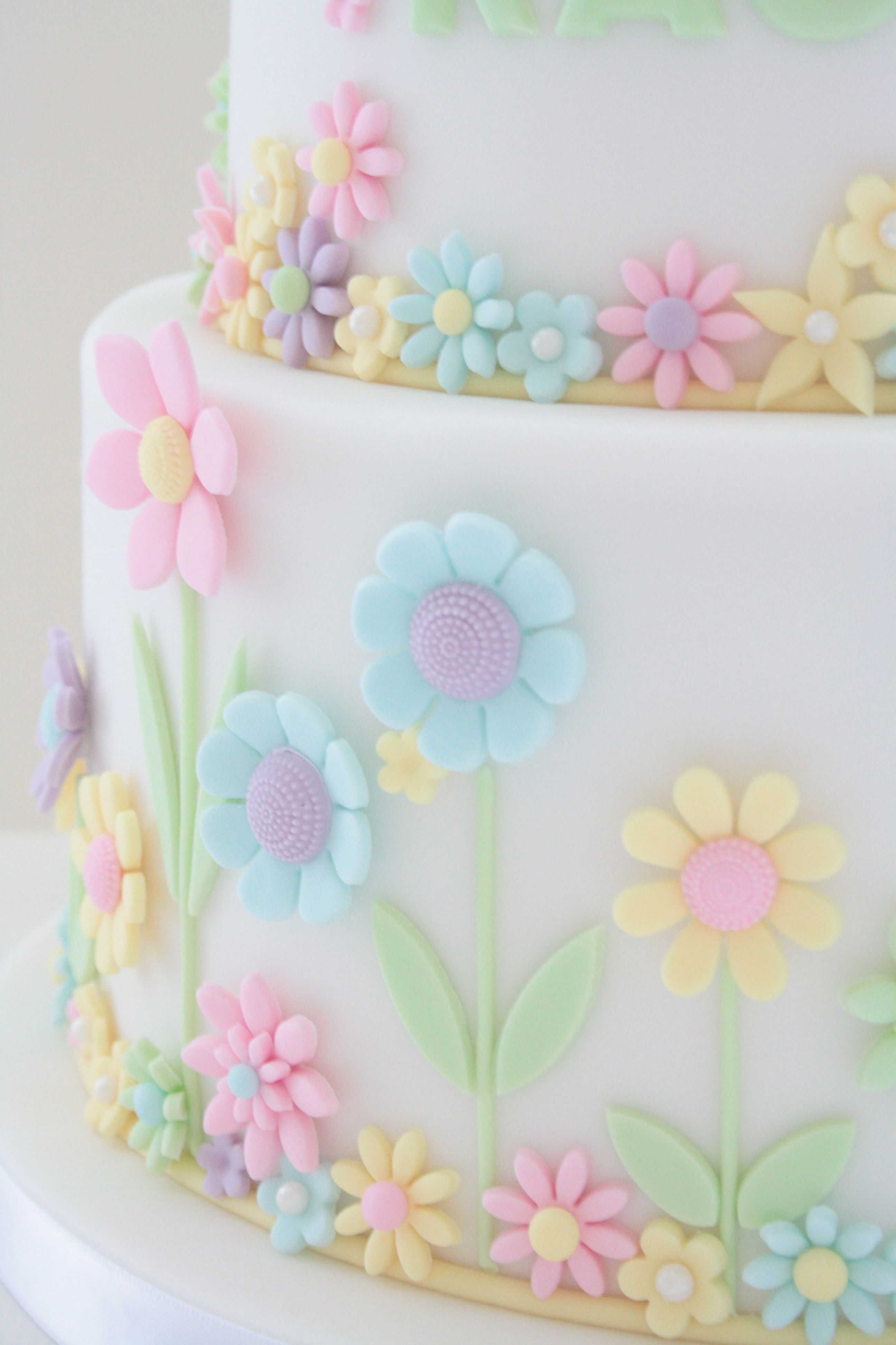 Close Up Of Flower Detail On My Daughters 7th Birthday Cake Food