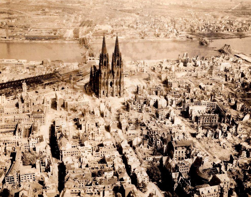 Dark Silence In Suburbia Germany Photo German History